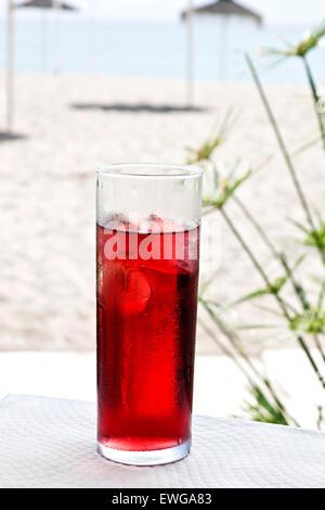 Tinto de Verano, typisches spanisches Getränk. Madrid, Spanien ...