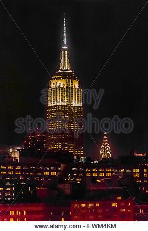 Empire State Building und Chrysler Building in der Nacht, New York, New York USA. - Stockfoto