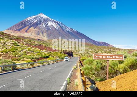 Teneriffa, Kanarische Inseln - die Straße TF-24, Teide-Nationalpark, Spanien - Stockfoto