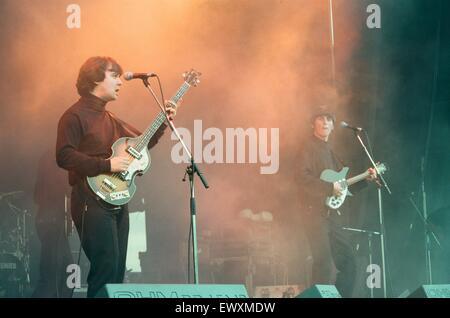 Ein 60er und 70er Jahre Konzert mit Look-a-Like Bands Beatlemania und Björn Again fand in Ormesby Hall am Samstagabend - Stockfoto
