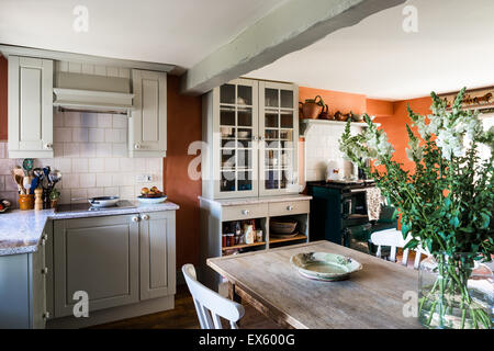 Holz Küche Im Landhausstil Stockfoto, Bild: 165141592 - Alamy