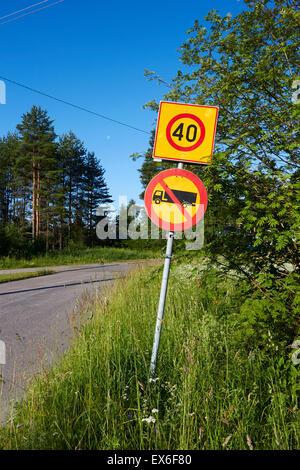 Kein Eintrag für LKW und Transporter, Verkehrszeichen Finnland - Stockfoto