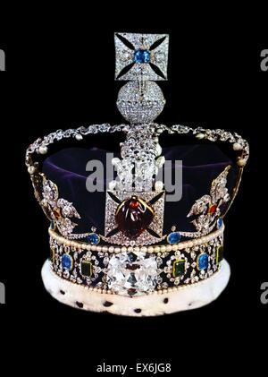 Die Imperial State Crown mit Edelsteinen inkrustiert und für Königin Victorias Krönung im Jahre 1838. Von The Island - Stockfoto