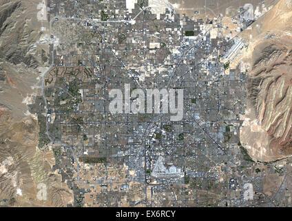Farbe-Satellitenbild von Las Vegas, Nevada, USA. Bild aufgenommen am 23. September 2014 mit Landsat 8 Daten. - Stockfoto