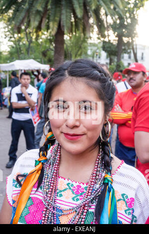Mexikanischer Teenie Schmeckt Süß