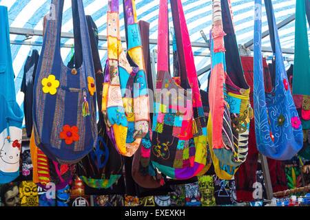 Taschen in vielen Formen und Farben |
