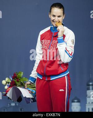 Moskau, Russland. 14. Juli 2015. Sofya Velikaya Russlands mit Goldmedaille bei der Frauen individuelle Sabre Fechten - Stockfoto