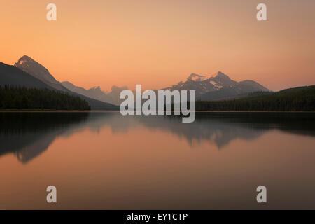Sunrise Maligne Lake Jasper National Park - Stockfoto