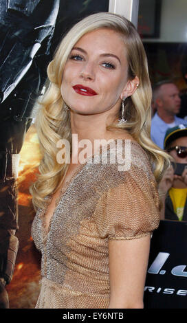 """Sienna Miller in Los Angeles special Screening von """"G.I. Joe: The Rise Of The Cobra"""". - Stockfoto"""