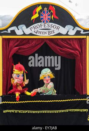 Punch and Judy Show an der Themse traditionellen Boot Festival, Fawley Wiesen, Henley On Thames, Oxfordshire, England - Stockfoto