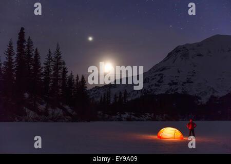 Alaska, Mond, Camping, Mann, Berg - Stockfoto