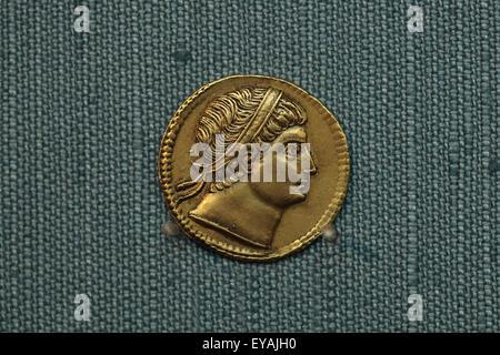 Goldene Solidus Konstantins des großen. Römische Goldmünze in der Regierungszeit des Roman Emperor Constantine ich - Stockfoto