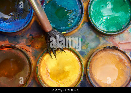 Farben Und Kindisch Malutensilien Aquarelle Und Pinsel Bunten