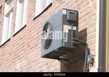 Wand montiert klimager t von daikin gemacht stockfoto for Wand klimaanlage