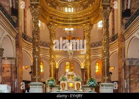 Altar der neuen Kathedrale, Cuenca, Ecuador - Stockfoto