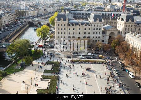 Ansicht von Paris von oben an Notre Dame - Stockfoto