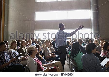 Professor Vortrag Auditorium Publikum - Stockfoto