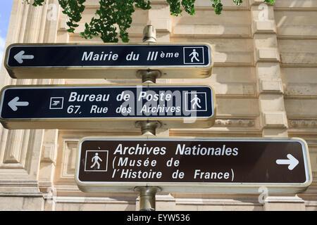 Straßenschilder für das bureau de poste und zentrum bête in paris