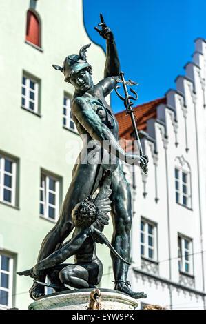 Statue des Gottes Merkur, der Bote der Götter, Merkur-Brunnen, Augsburg, Schwaben, Bayern, Deutschland - Stockfoto