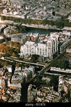 Luftaufnahme von Notre Dame de Paris auf der Ile De La Cite - Paris, Frankreich. - Stockfoto