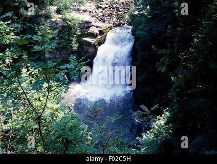 Doubs-Wasserfall (Saut du Doubs), Tal des Flusses Doubs, Jura Berge regionalen Naturpark (Parc Naturel regional - Stockfoto