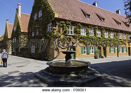 Ansicht der Fuggerei soziale Wohnanlage in Augsburg, Bayern, Deutschland - Stockfoto