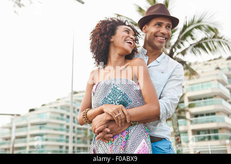 Paar vor Hotel, Rio De Janeiro, Brasilien - Stockfoto