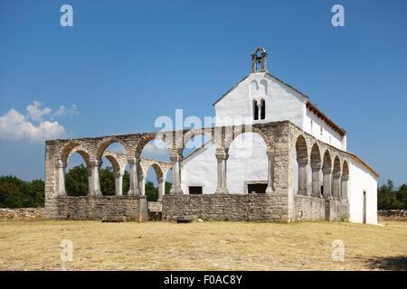 Mednjan, Istrien, Kroatien. 8c romanische Kirche von St. Fosca, ein Wallfahrtsort, der berühmt für seine Energie - Stockfoto