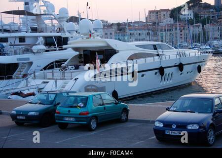 Impressionen: Yachthafen, Cannes, Côte d ' Azur, Frankreich / Cannes, Côte d ' Azur, Frankreich. - Stockfoto