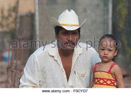 Ein mexikanisches mädchen als schwarzen mann kennenlernen