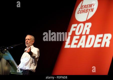 Glasgow, Schottland. 14. August 2015. Führung der Labour-Kandidat Jeremy Corbyn hält eine Rede während seines Wahlkampfes - Stockfoto