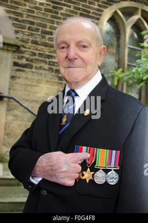 Hayfield, High Peak, Derbyshire, UK. 15 Aug zeigt 2015.WWII Veteran und Präsident von Hayfield Royal British Legion - Stockfoto