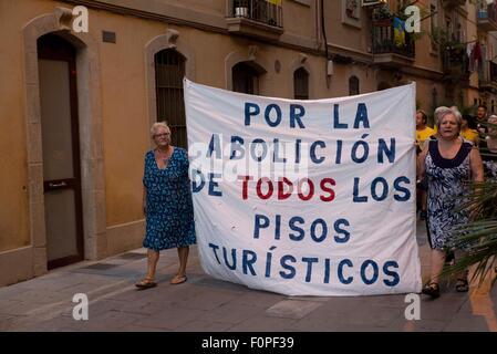 Barcelona, Spanien. 19. August 2015. Menschen marschieren am 19. August 2015 aus Protest gegen illegale Vermietungen - Stockfoto