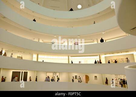 USA, Staat New York, New York City, Manhattan, Interieur des Solomon R Guggenheim Museums auf der 5th Avenue. - Stockfoto