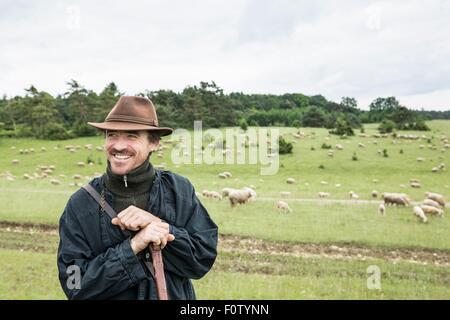 Porträt der Bauer im Feld, Lächeln - Stockfoto
