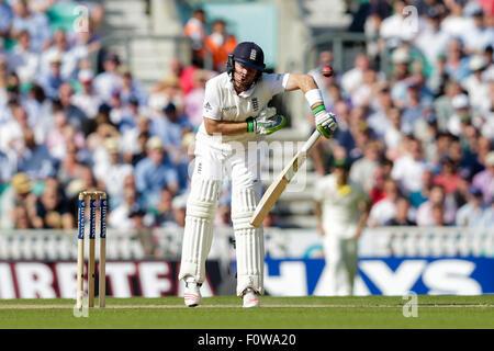 London, UK. 21. August 2015. Investec Asche 5. Test, Tag 2. England gegen Australien. Englands Ian Bell sieht in - Stockfoto