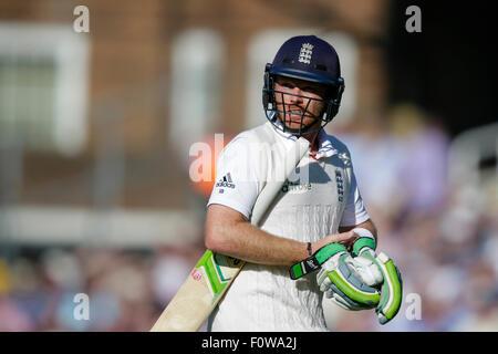 London, UK. 21. August 2015. Investec Asche 5. Test, Tag 2. England gegen Australien. Englands Ian Bell geht zurück - Stockfoto