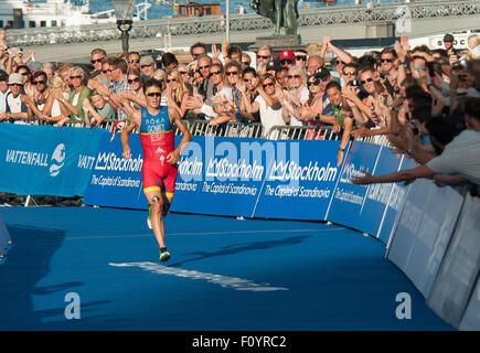 Stockholm, Schweden. 23. August 2015. Javier Gomez Noya (C) Spanien konkurriert während 2015 ITU World Triathlon - Stockfoto