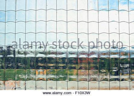 Detail der drahtverstärkten Glasfenster Stockfoto, Bild: 96019556 ...