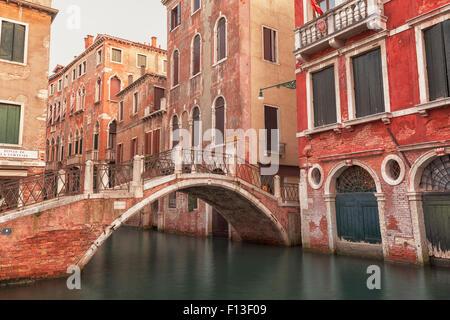 Kanal in Venedig, Italien - Stockfoto