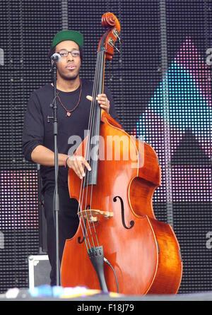 Portsmouth, UK. 29. August 2015. Siegreiche Festival - Samstag. Laura Mvula führt am Main, gemeinsame Bühne, an - Stockfoto