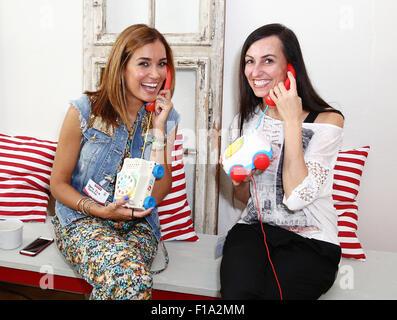 """Jana Ina Zarrella und Katia Saalfrank host ein Fisher-Price-Brunch mit dem Thema """""""" Zwischen Smartphone Und Sandkasten - Stockfoto"""