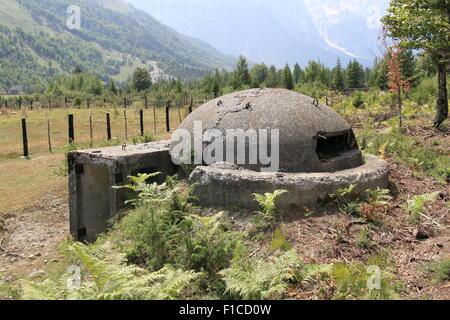 Kalten Krieges Bunker, Valbona, Valbona-Valley-Nationalpark, verfluchten Berge, Albanien, Balkan, Europa - Stockfoto