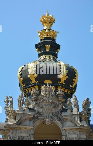 Krone-Tor der Zwinger Palast Dresden in Deutschland. - Stockfoto