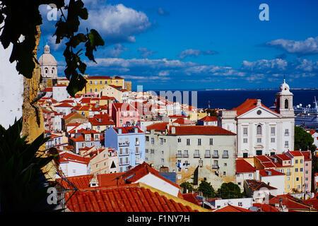 Portugal, Lissabon, Alfama von Santa Luzia belvedere - Stockfoto