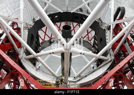 LA PALMA, Spanien - AUGUST 12: Spiegel Riese spanischen Teleskop GTC 10 Meter Durchmesser, in Roque de Los Muchachos - Stockfoto