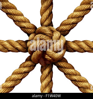 Connected Gruppe Business Konzept und Einheit Symbol als eine Sammlung von dicken Seilen kommen zusammen in einen Knoten in der Mitte als Symbol für die Netzstärke gebunden und Einheit Unterstützung isoliert auf einem weißen Hintergrund. Stockfoto