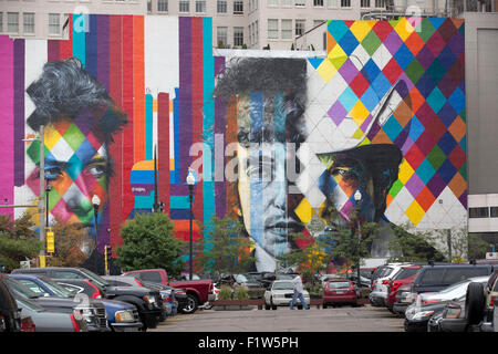 Unvollendete Bob Dylan Wandbild gemalt von brasilianischen Künstlers Eduardo Kobra und seinem Team von fünf Künstlern - Stockfoto
