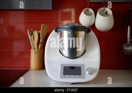 Vorwerk Bimby kochen Stockfoto, Bild: 221890117 - Alamy