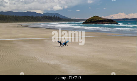 Kanada, Vancouver, paar, Surfer, Long Beach - Stockfoto